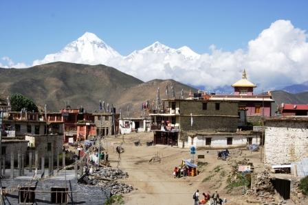 Muktinath mit Dhaulagiri
