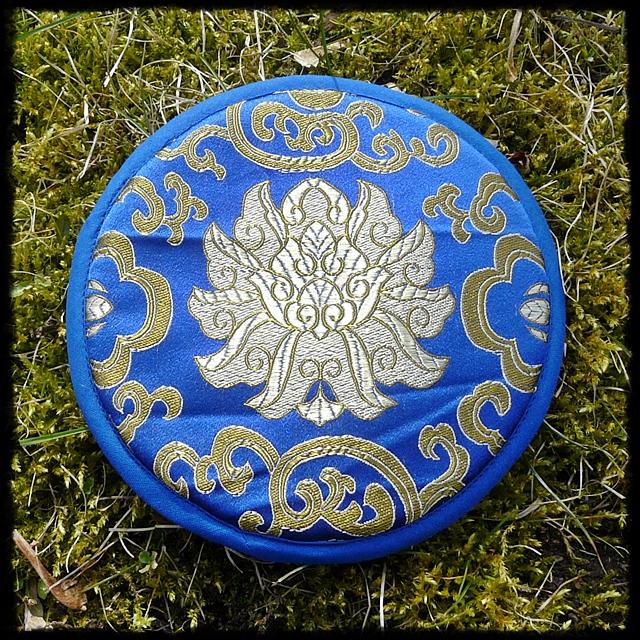 Klangschalen-Kissen blau